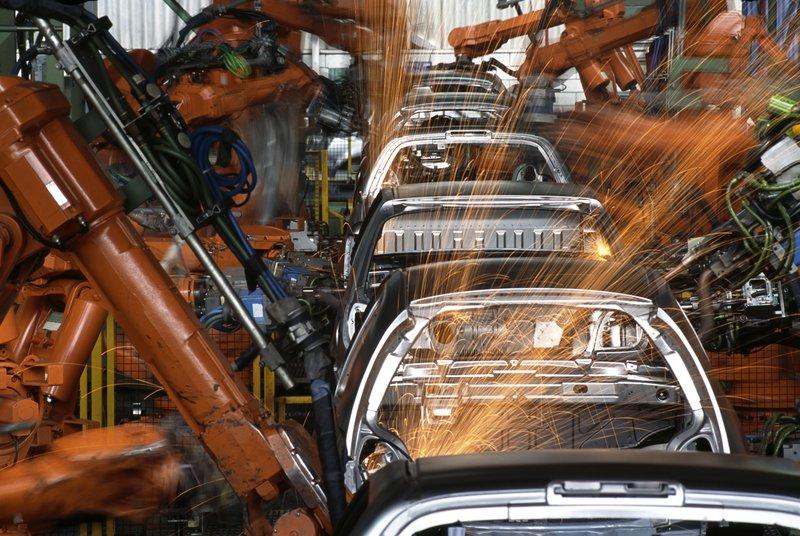 Robots-In-a-Car-Factory-182218450_1251x840.jpeg