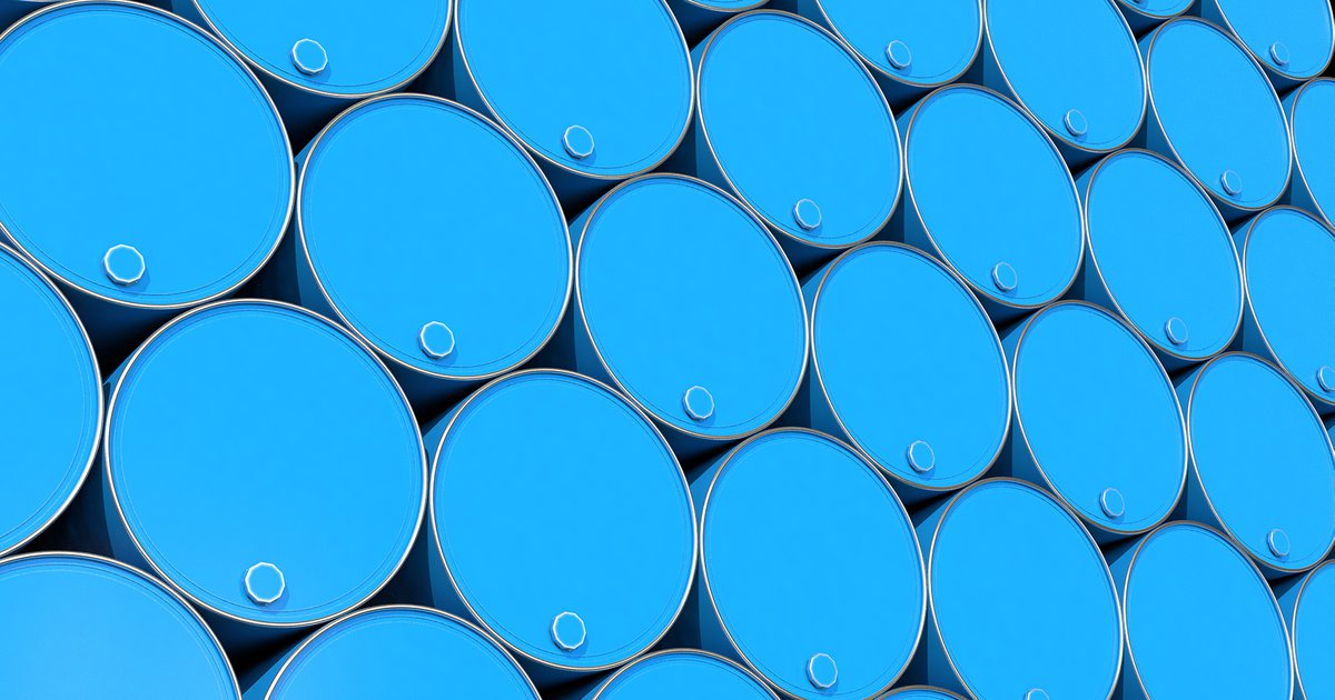 What IS Happening To The Oil Price And How Does It Affect The Shipping Industry